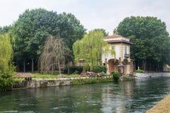 Sul Naviglio, Milán de Robecco Imagenes de archivo