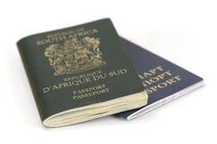 Sul - passaporte africano e bielorrusso fotos de stock