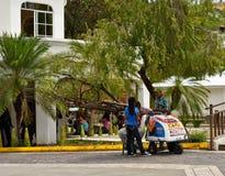 Sula de San Pedro honduras Vendeur de cr?me glac?e  photos stock