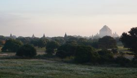 Sulamani-Pagode im Nebel des Sonnenaufgangs Tempel 761 Bagan myanmar Stockfoto