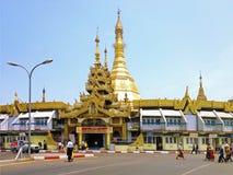 Sule Pagoda in het daglicht op Ap Stock Foto's