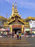 Sule Pagoda in het daglicht op Th Stock Afbeeldingen