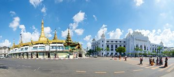 Sule Paya and City Hall. Sule Pagoda and Yangon City Hall Royalty Free Stock Images