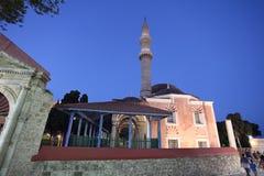 Suleiman meczet w Rhodes starym miasteczku nocą Grecja Obraz Stock