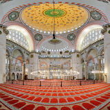 Suleymaniye清真寺内部在伊斯坦布尔 免版税库存照片