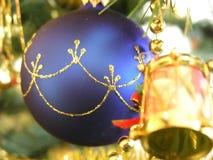Sull'albero di Natale fotografie stock libere da diritti