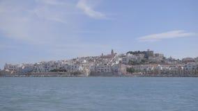 Sulla barca in mare archivi video