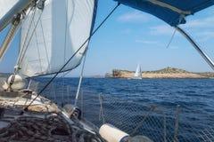 Sulla barca a vela, la Croazia Immagini Stock Libere da Diritti