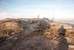Sulla collina di Malinowska Skala in montagne di Beskid Slaski di autunno in Polonia Immagini Stock