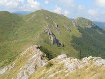 Sulla cresta di vecchia montagna Fotografia Stock Libera da Diritti