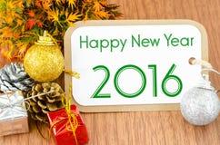 2016 sulla decorazione marrone del nuovo anno della carta dell'etichetta Fotografia Stock