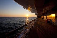 Sulla piattaforma di una nave da crociera Fotografia Stock