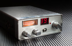 Sulla radio Fotografie Stock