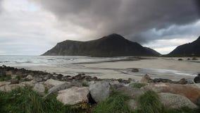 Sulla spiaggia stock footage
