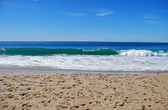 Sulla spiaggia della spiaggia principale, Laguna Beach, California fotografia stock