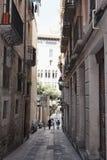 Sulle vie del quarto gotico a Barcellona Immagini Stock Libere da Diritti