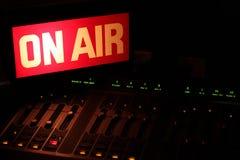 Sullo studio della radio dell'aria orizzontale Fotografia Stock Libera da Diritti