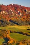 Sulov晃动在秋天颜色的山 库存照片
