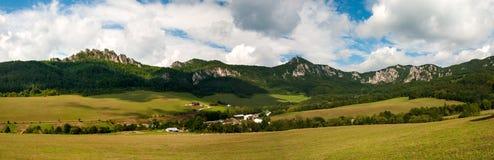Sulov oscila - el ¡del ov Hradnà del ¾ de SúÄ,  a, Eslovaquia de BytÄ Fotografía de archivo