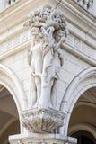Sulpture d'Adam et d'Ève Photos libres de droits