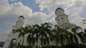 Sultan Abu Bakar State Mosque in Johor Maleisië stock videobeelden