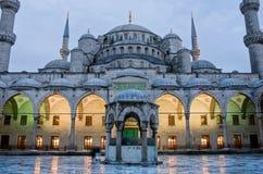 Sultan Ahmed Mosque conosciuto come la moschea blu a Costantinopoli, Turchia fotografia stock libera da diritti