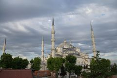 Sultan Ahmet Camii ( Blue Mosque ) glows in early evening light Stock Photography