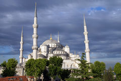 Sultan Ahmet Camii ( Blue Mosque ) glows in early evening light Stock Photo