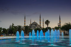 Sultan Ahmet Mosque en puesta del sol Foto de archivo libre de regalías