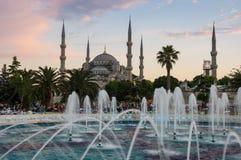 Sultan Ahmet Mosque en puesta del sol Fotografía de archivo