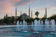 Sultan Ahmet Mosque en puesta del sol Fotos de archivo