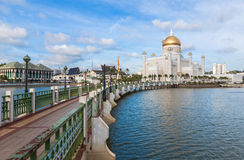 Sultan Omar Ali Saifuddin Mosque in Brunei. Sultan Omar Ali Saifuddin Mosque  in Bandar Seri Begawan - Brunei Royalty Free Stock Photos