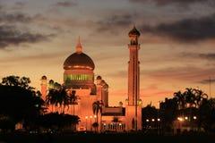 Sultan Omar Ali Saifudding Mosque met lichten, Verbod Royalty-vrije Stock Foto's