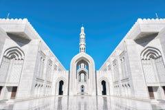 Sultan Qaboos Grand Mosque, Muscat, Omã imagem de stock
