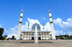 The Sultan Salahuddin Abdul Aziz Shah Mosque Royalty Free Stock Photo