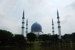 Sultan Salahuddin Abdul Aziz Shah Mosque a.k.a Shah Alam Mosque Royalty Free Stock Photography
