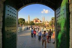从Sultanahmet的圣索非亚大教堂 免版税库存照片