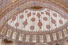 Sultanahmet蓝色清真寺内部-圆顶 免版税库存图片