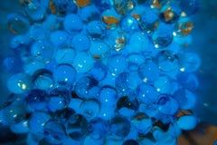 Sumário: Bolhas borbulhantes azuis imagem de stock royalty free