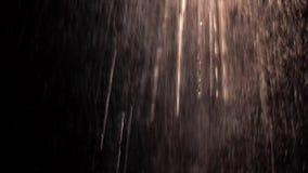 Sumário com gotas da água no fundo preto vídeos de arquivo