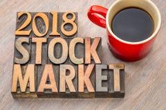 sumário da palavra do mercado de valores de ação 2018 no tipo de madeira Fotografia de Stock Royalty Free