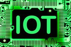 Sumário, fim acima do fundo do computador eletrônico de Mainboard IOT, Internet das coisas foto de stock royalty free