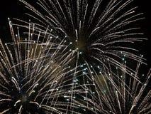 Sumário, fogos de artifício, imagem borrada Fundo do Natal Luz com faíscas de incandescência, Feliz Natal foto de stock