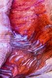 Sumário vermelho da rocha perto dos túmulos reais Petra Jordan Imagens de Stock