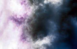 Sumários coloridos céu e nuvens fotografia de stock