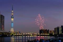 Sumida河烟花在夏天在日本 免版税库存图片
