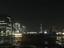Sumida-Fluss mit Tokyo Skytree lizenzfreies stockfoto