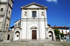 Sumirago abstrakt begrepp i Italien den soliga wal klockan för kyrkligt torn Royaltyfria Foton