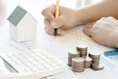 Summarisk rapport och finansiell analysering Fotografering för Bildbyråer