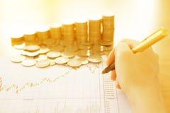 Summarisk rapport och finansiellt analyserande begrepp, Fotografering för Bildbyråer